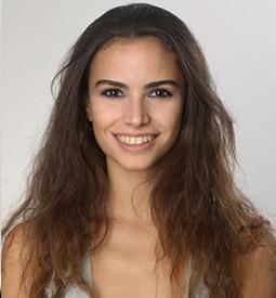 Zeynep Yeniçeri | Digital Content Creator | Survey Expert